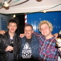 Backstage met de Toy Dolls